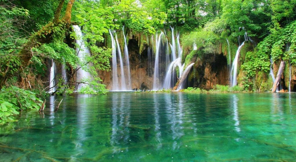 plitvice lakes day tour from split and trogir