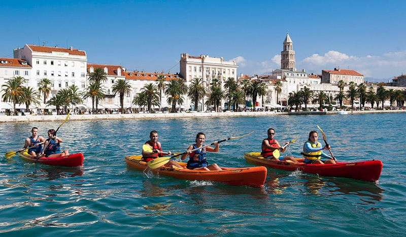 split-sea-kayak-tour